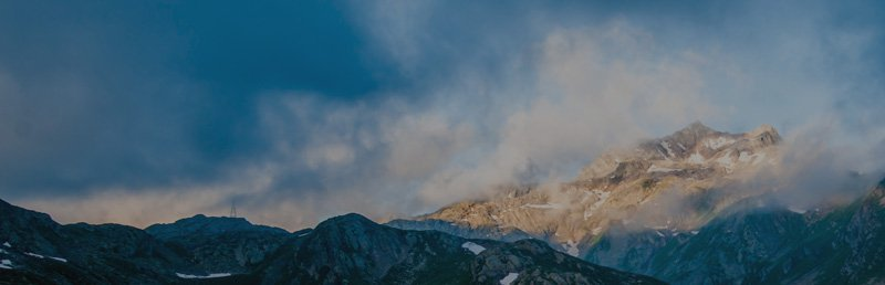 img banner thin mountains
